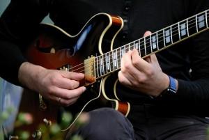 Học đàn guitar: Tập chơi nhạc Jazz