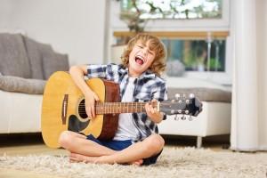 Năm cách giúp trẻ thích chơi nhạc cụ