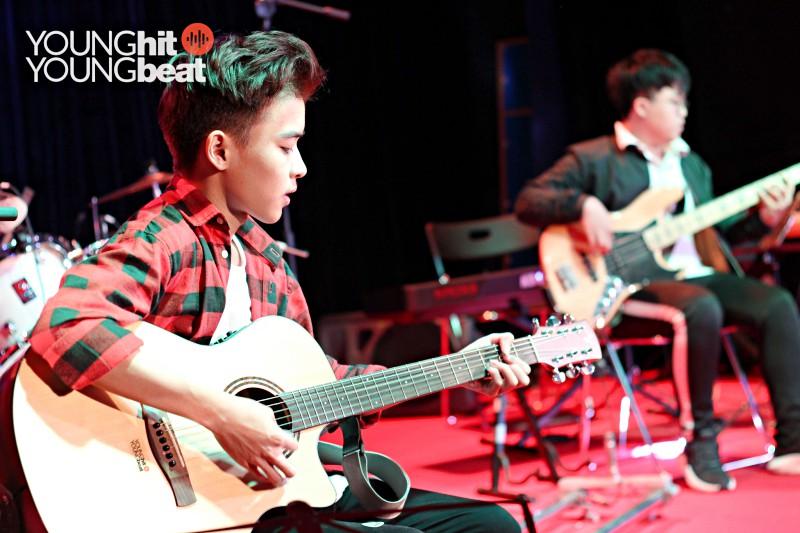 Khóa học Guitar tập thể